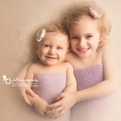 Vancouver-kids-photographer-jana-photography_sibling