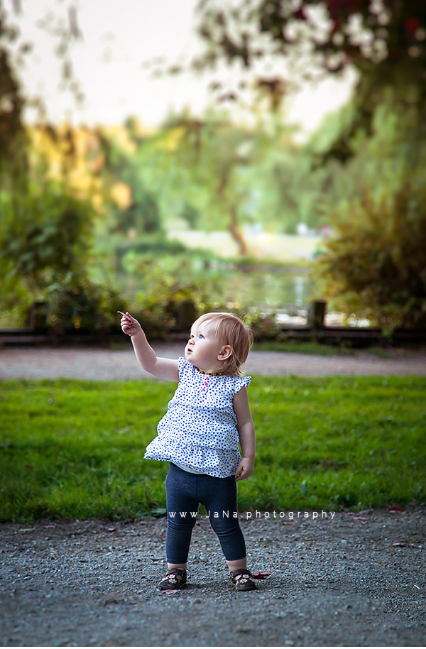 Kids-baby-and-family photography-session-Deer-Lake-Park-Burnaby-Queen-Elizabeth-park-Vancouver-1