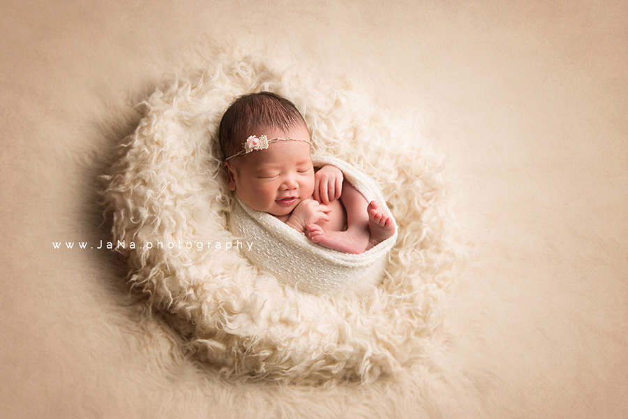 Maternity and newborn photography, Maternity and newborn photography – Surrey and Deer Lake Park Burnaby