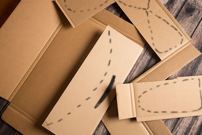 DIY cardboard airplane basket - design