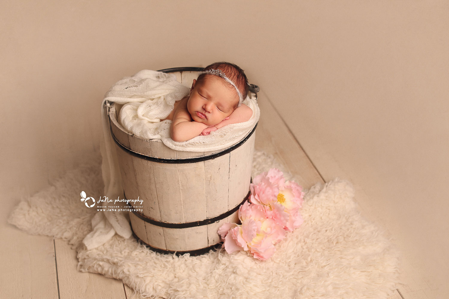 Vancouver maternity and newborn photography | Bowen