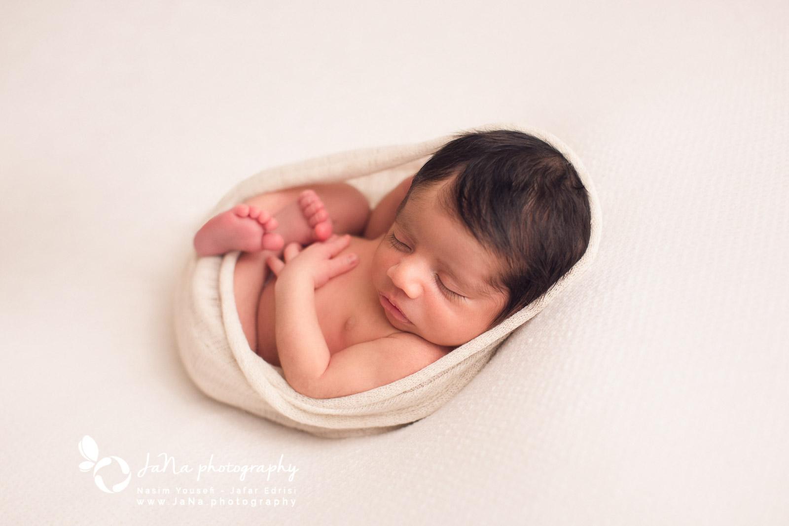Newborn photography Burnaby - sleep white