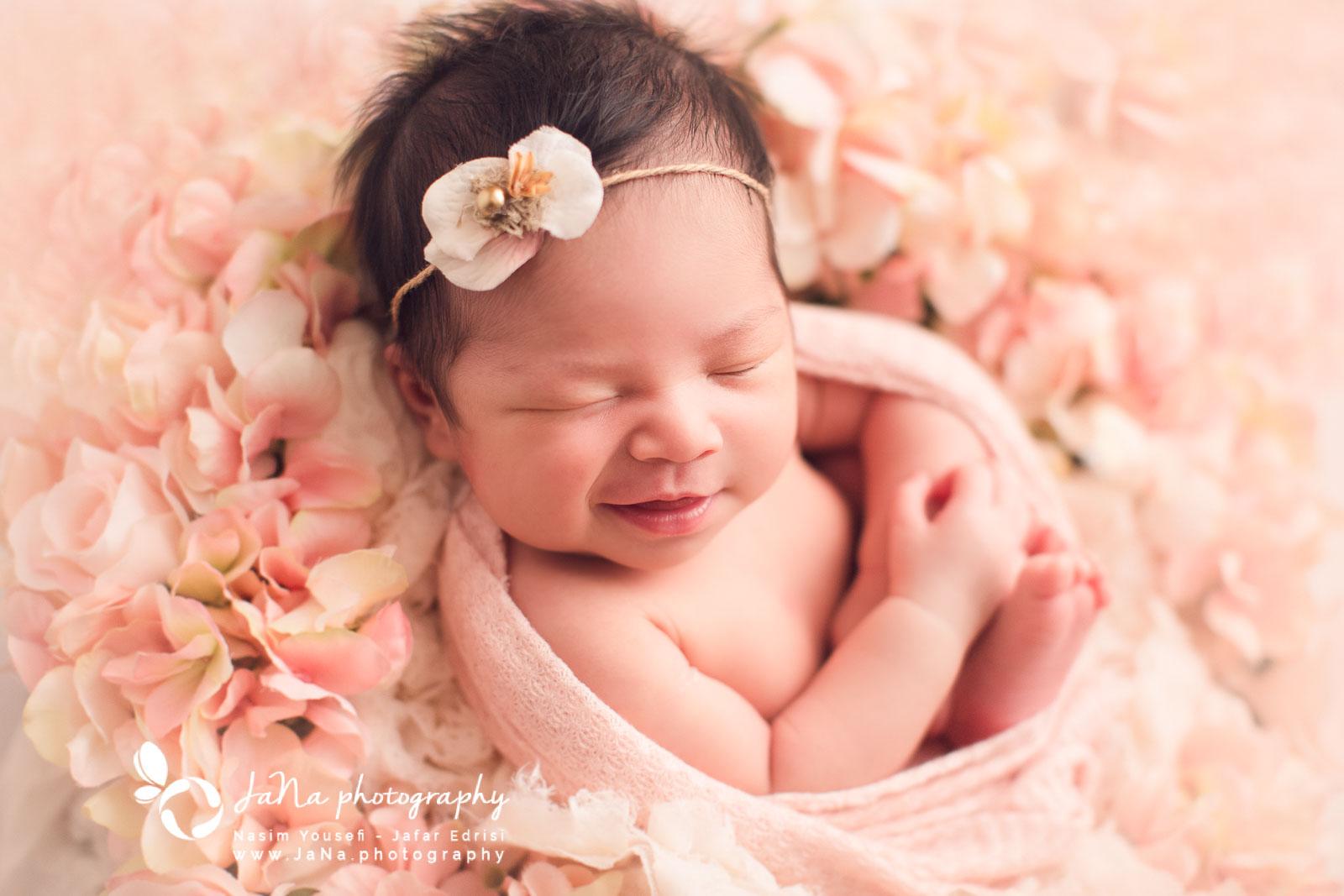 Newborn_maternity_photography_Deer_Lake-Park_Burnaby