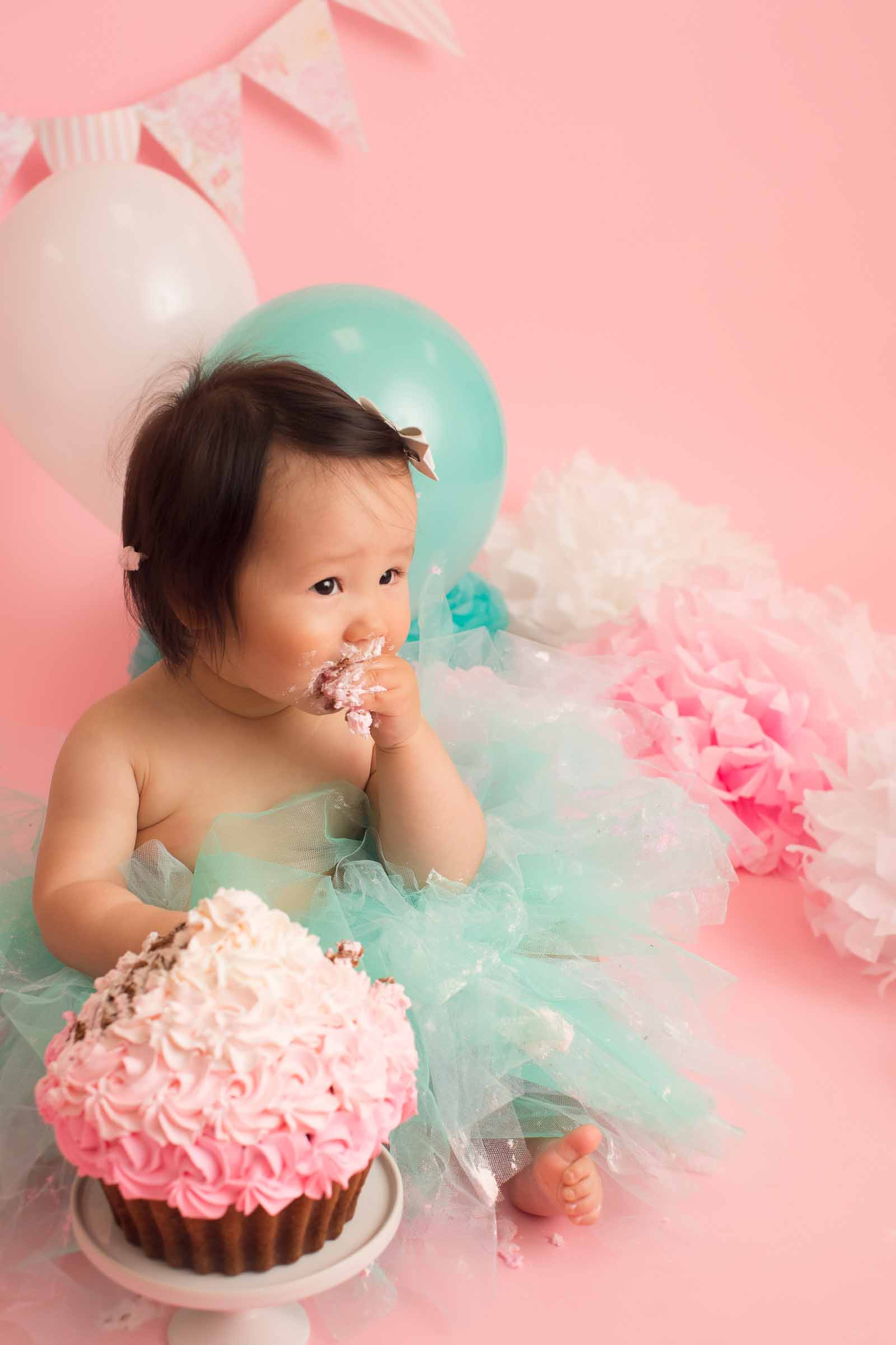 Vancouver cake smash photography | Emily