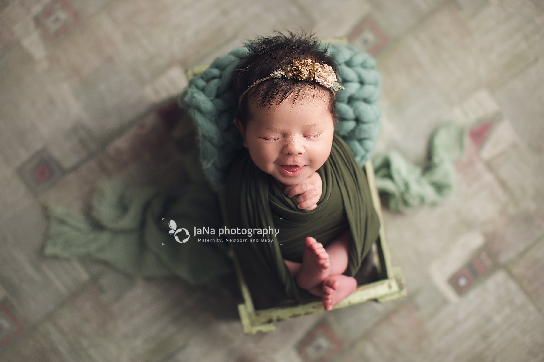newborn photography - green setup