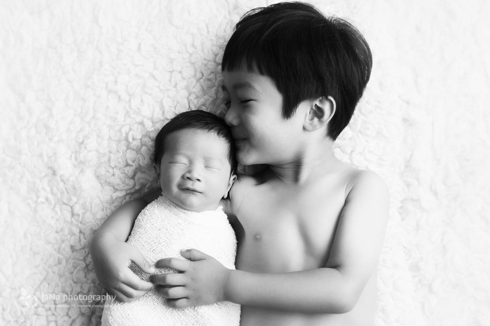 Burnaby newborn photography - big brother