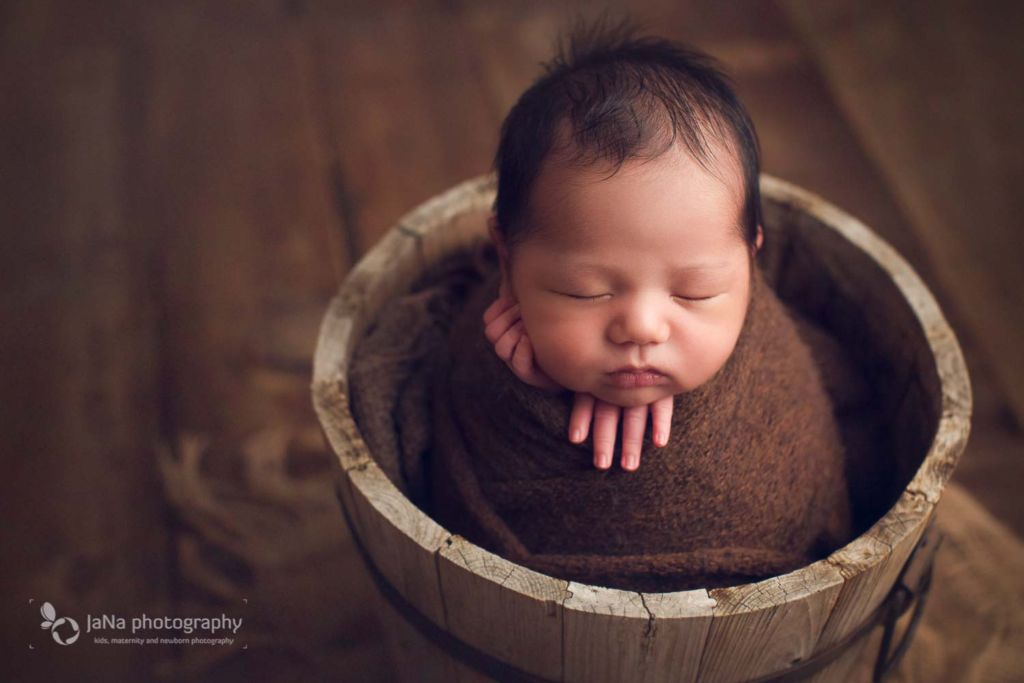 Richmond newborn photography - brown