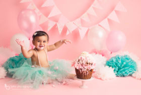 Vancouver Cake smash photography | Zaina