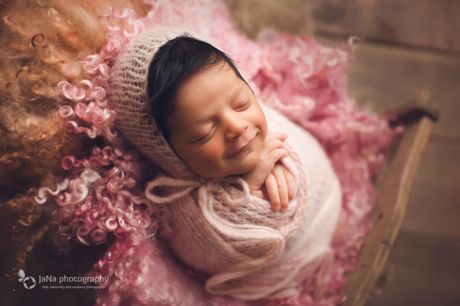 vancouver newborn photography - Ariana