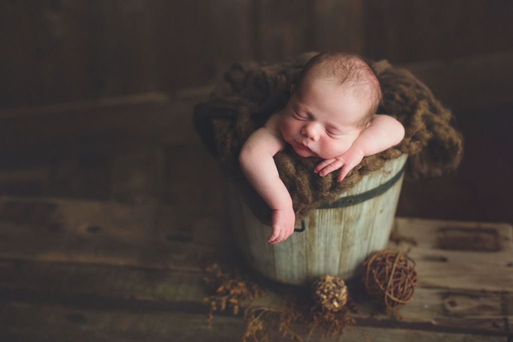 vancouver burnaby newborn photography - luca - green brown bucket