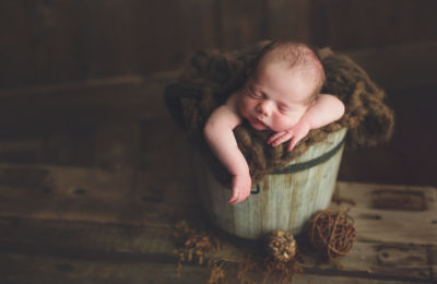 vancouver burnaby newborn photography - luca - green brown bucket