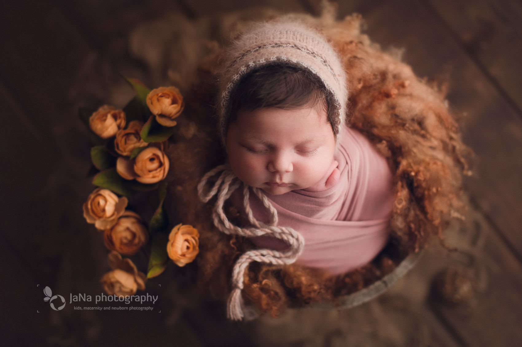 Vancouver, Burnaby newborn photography - Ana brown bed