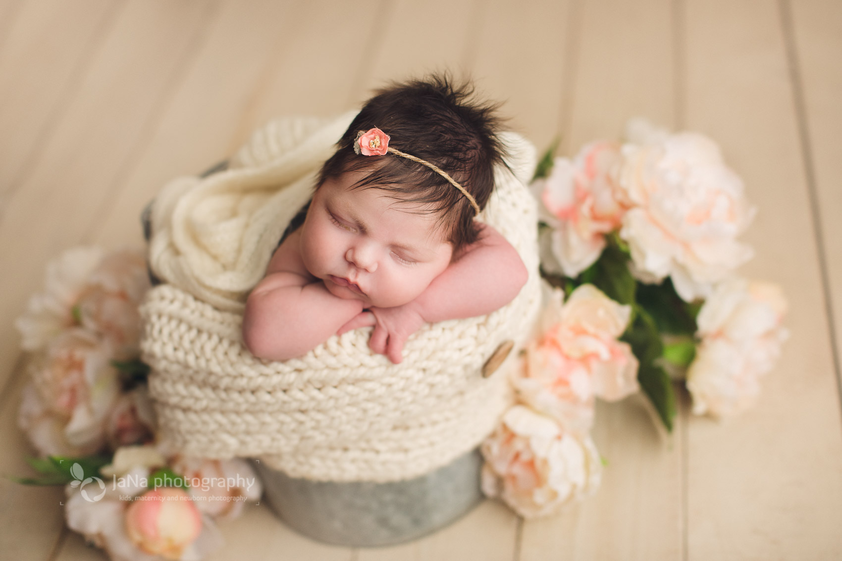 Vancouver, Burnaby newborn photography - Ana flowers