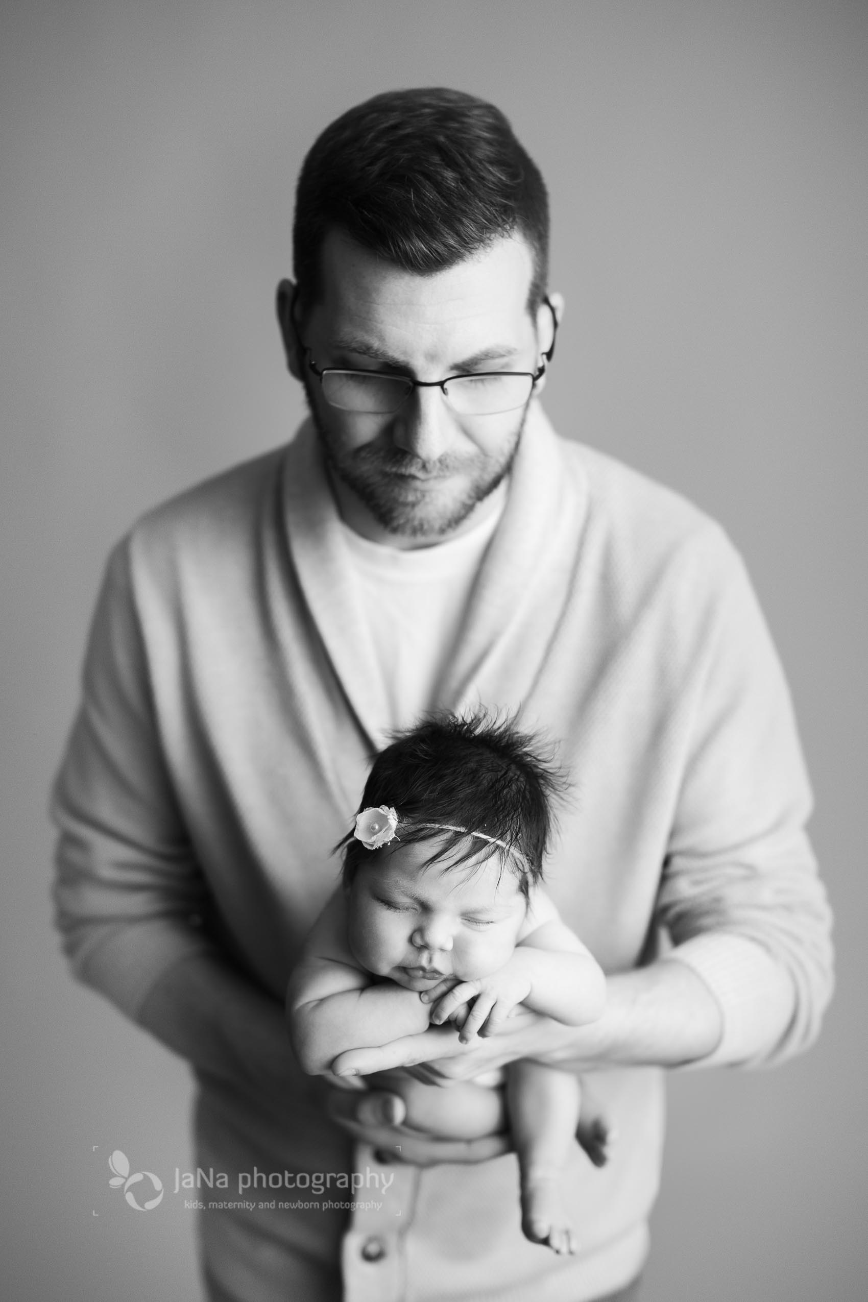 Vancouver, Burnaby newborn photography - Ana dad