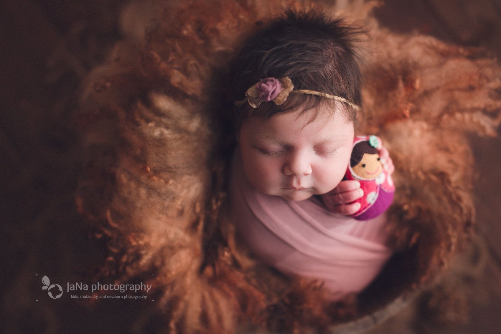 Vancouver, Burnaby newborn photography girl - Ana brow bed
