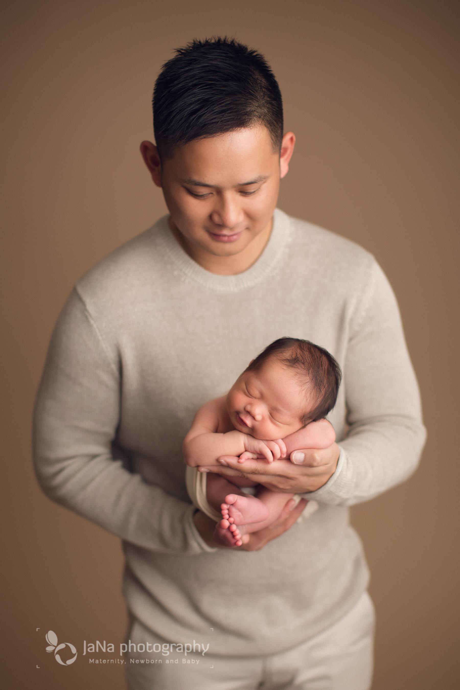 newborn baby boy, Vancouver Newborn photography   Liam