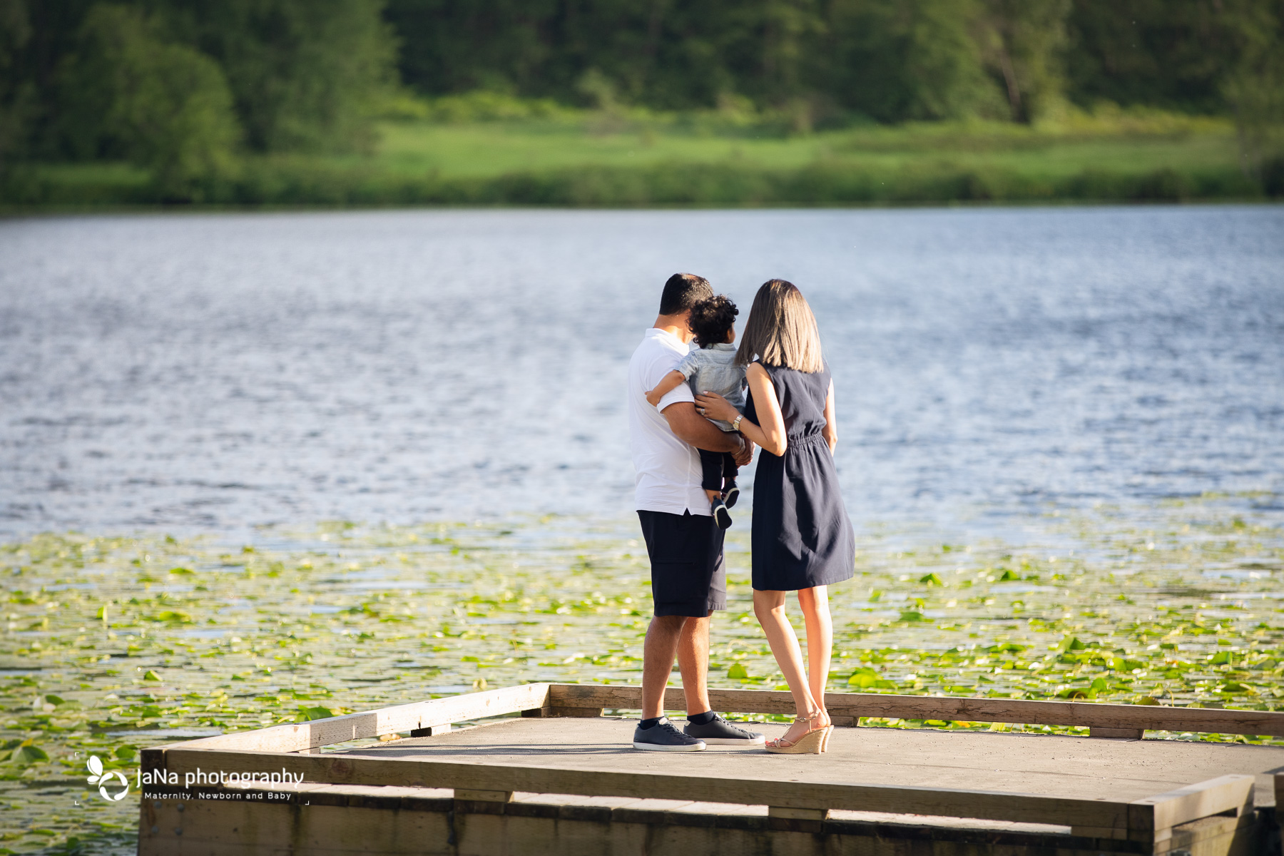 Vancouver outdoor family photography - deee lake park burnaby