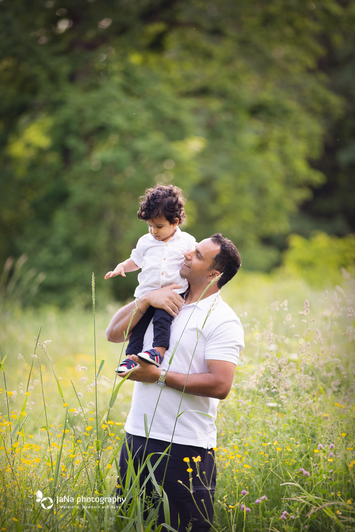 Vancouver outdoor family photography - dad and baby