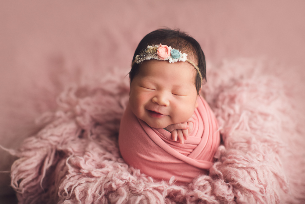 newborn photography - pink - smile