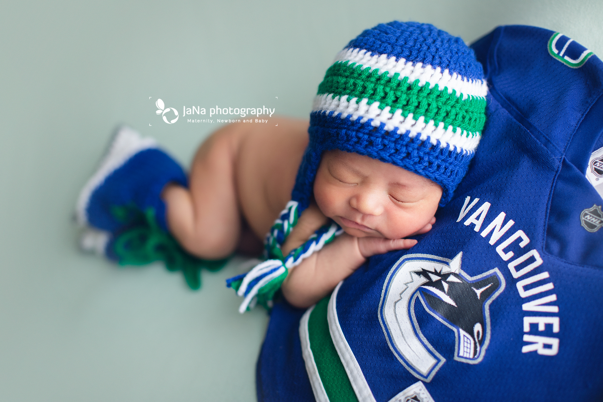 Vancouver Canucks newborn photography