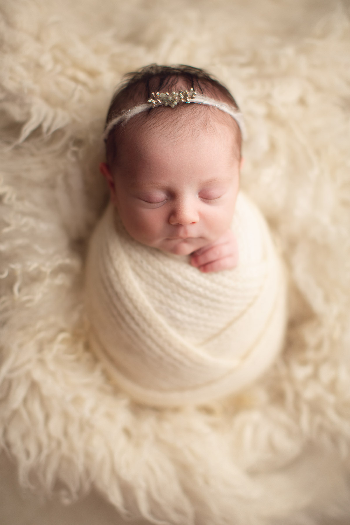 affordable vancouver newborn photography- white full wrap