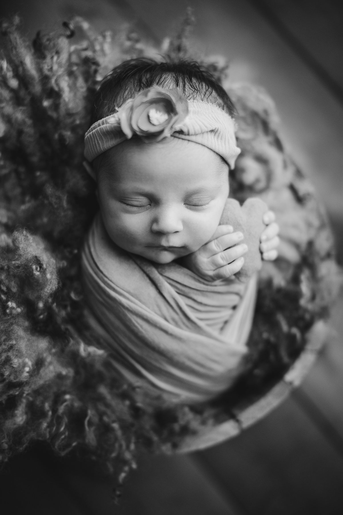 affordable vancouver newborn photography - black and white