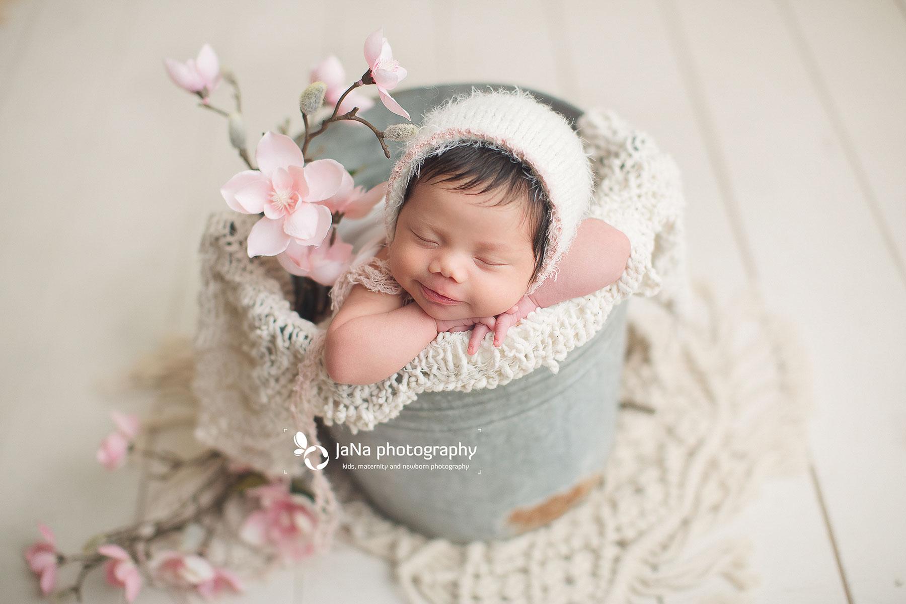 grey bucket-baby girl- jana photography