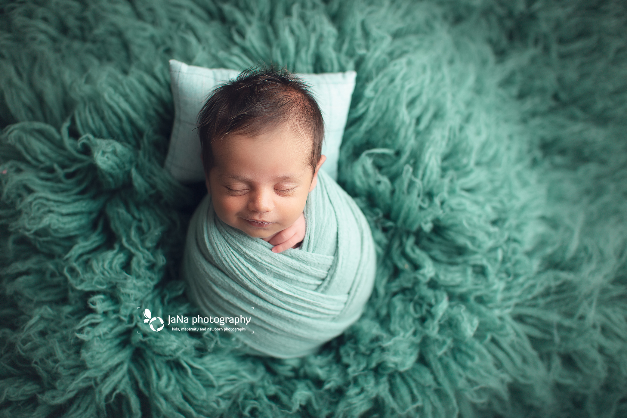 full wrap-green fur-jana photography