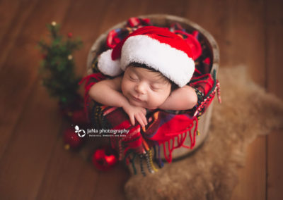 Christmas-newborn-photography-vancouver-jana