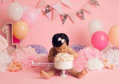 baby-girl-pink-cake-smash