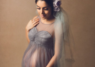 fine-art-studio-pregnancy-photo-mom-gray-lace-materity