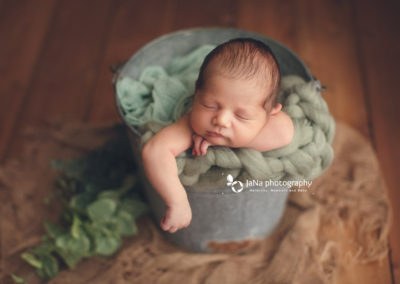 newborn-baby-boy-jana-photographjy