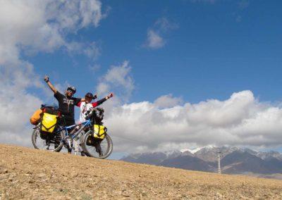 cycling around the world - jana - jafar - nasim