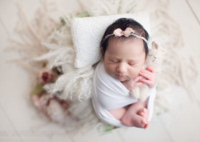 newborn-baby-girl-photography-vancouver-bed-2