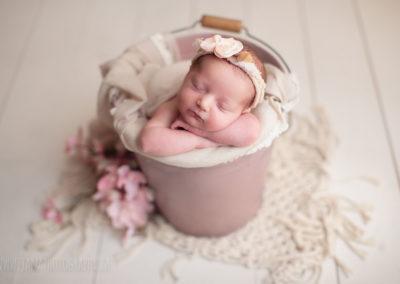 newborn-photography-bucket