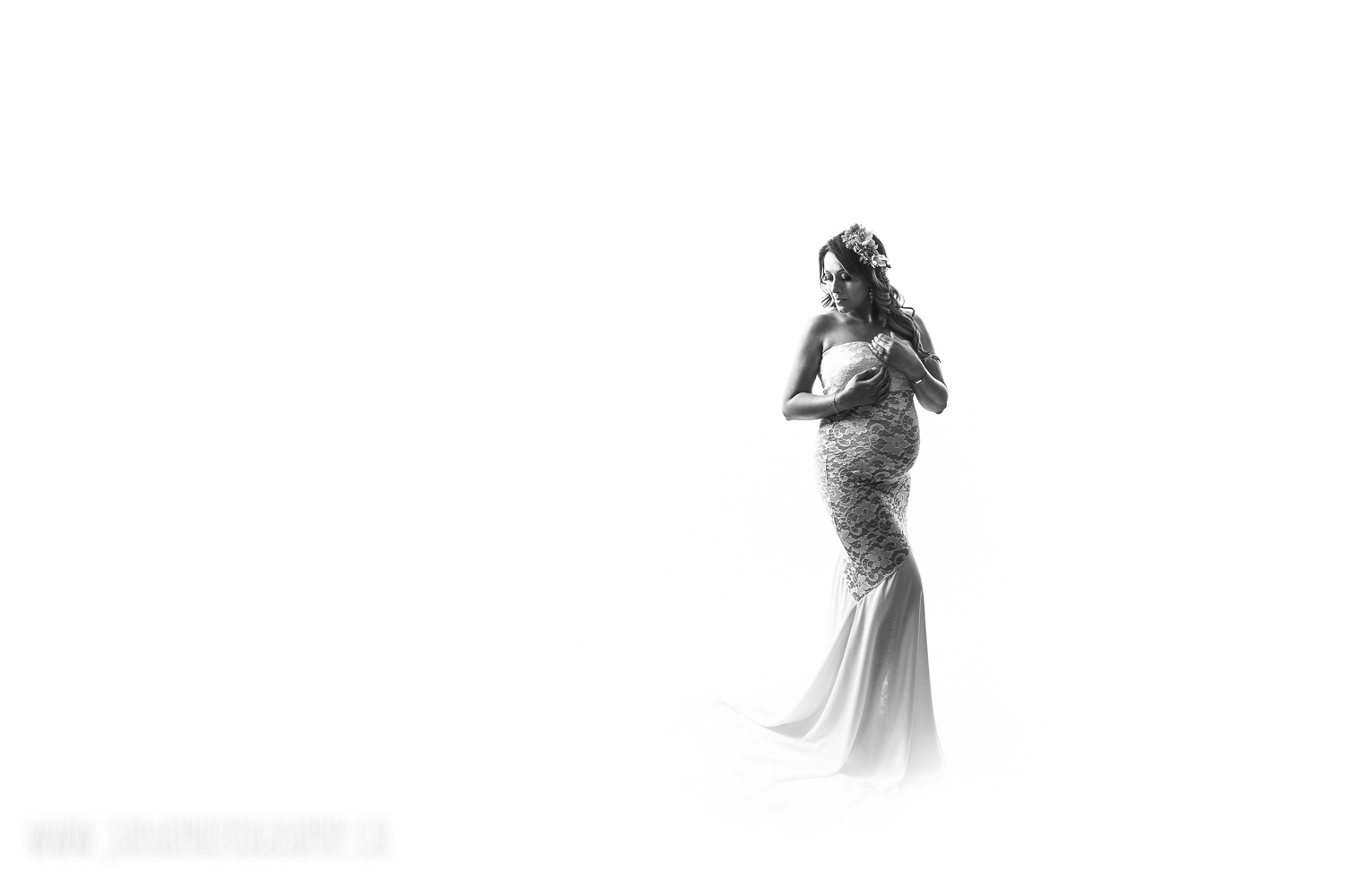 maternity photography - black and white - vancouver