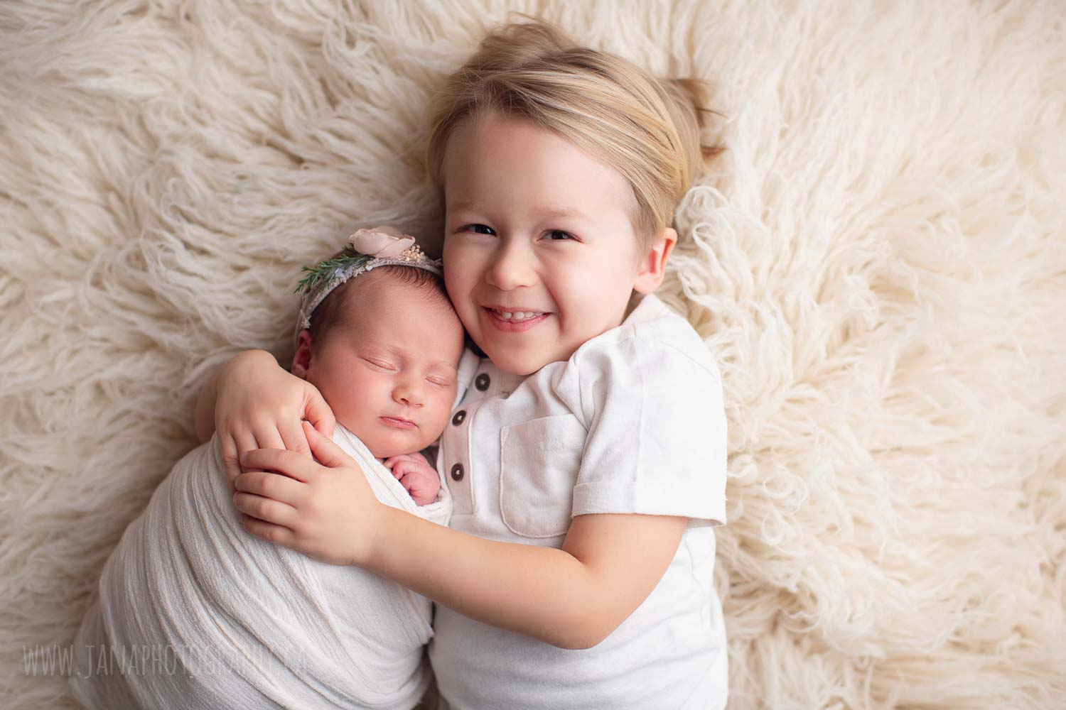newborn photography with siblings - sister and brother - white setup - vancouver - burnaby