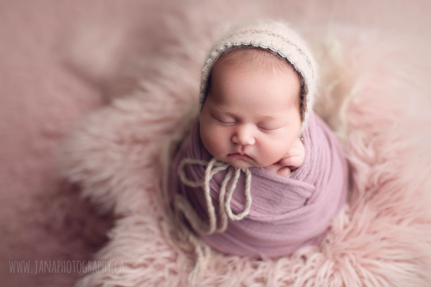 newborn photography baby girl - pink setup