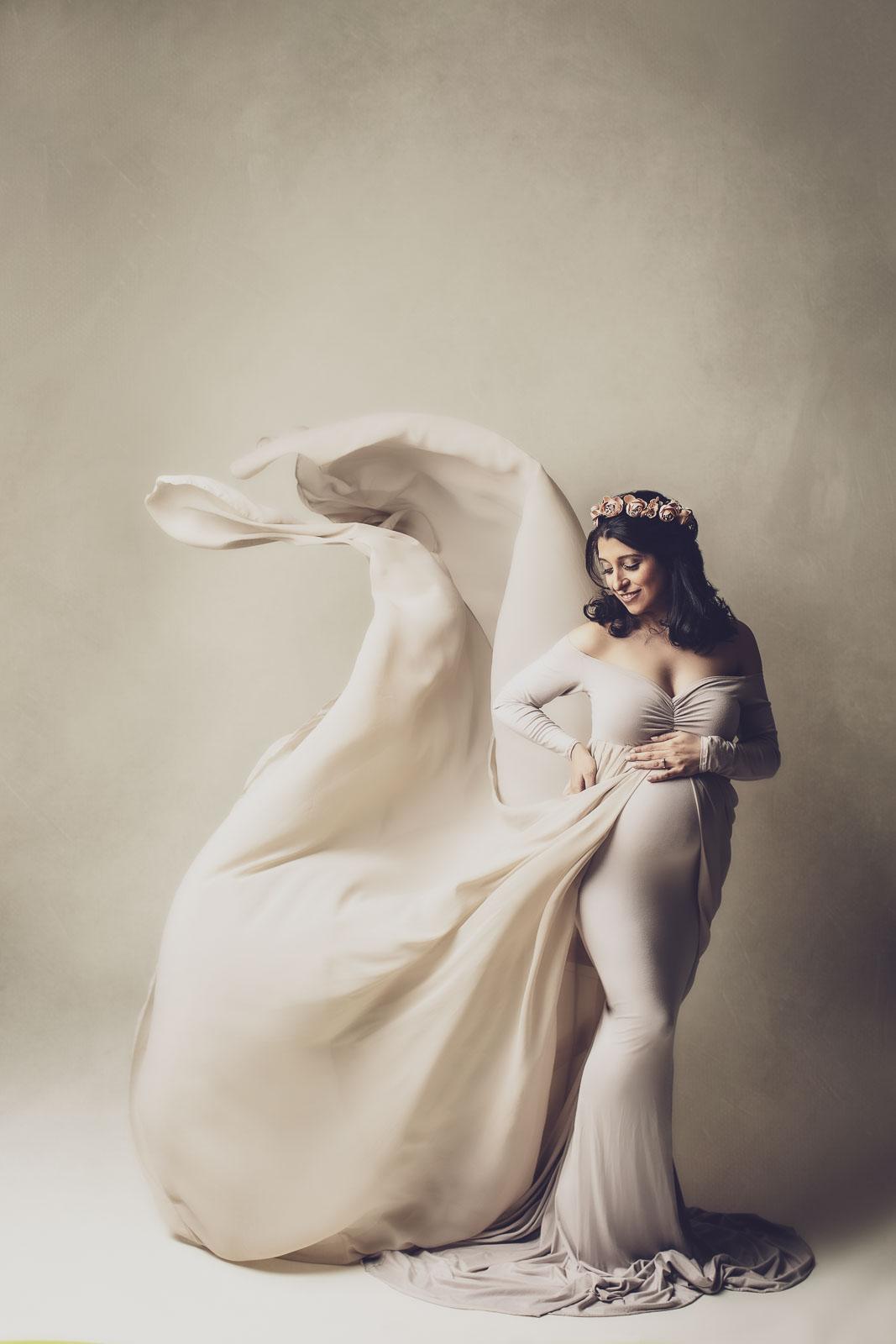 fabric toss creamy maternity photo