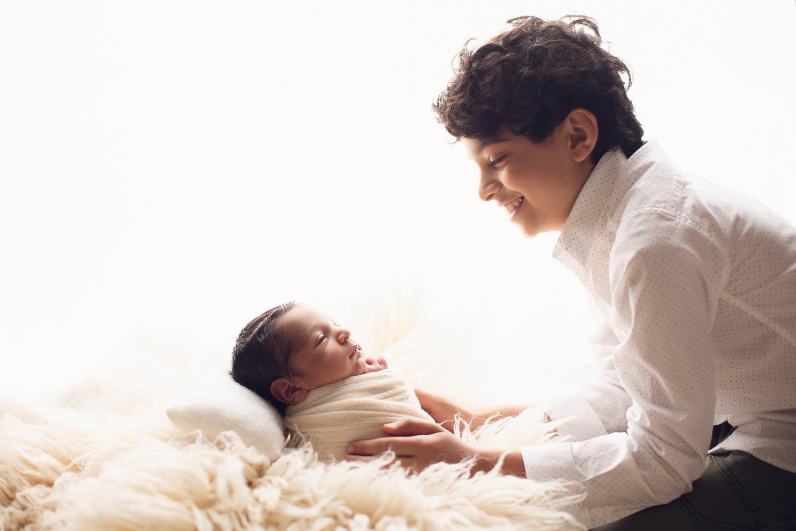 newborn photo silhouette